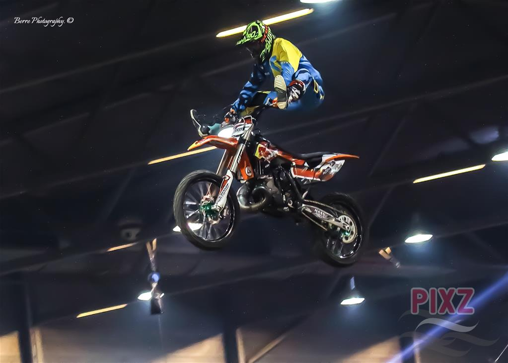 Supercross Goes